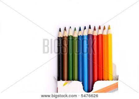 Eine Schachtel mit bunte Bleistifte