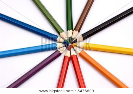 Bunte Bleistifte bilden A Circle