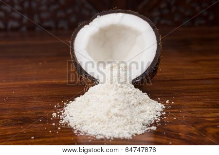 Coconut half and shredded coconut