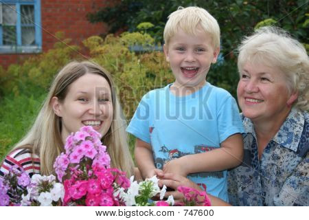 INTERGENERATIONAL FAMILY 5