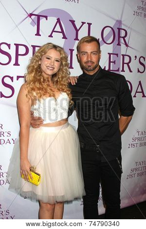 LOS ANGELES - OCT 25:  Taylor Spreitler, Joey Lawrence at the Taylor Spreitler's 21st Birthday Party at the CBS Radford Studios on October 25, 2014 in Studio City, CA