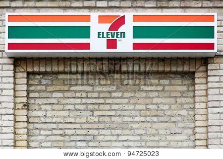 7 eleven logo on a façade