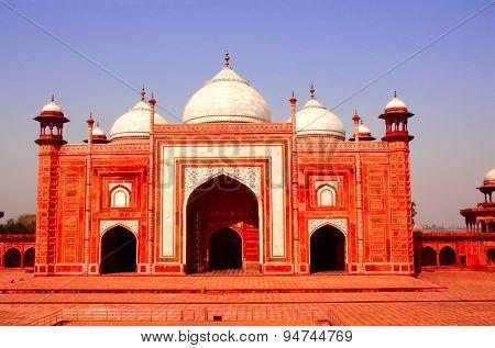 Masjid mosque near Taj Mahal mausoleum in Agra, India poster