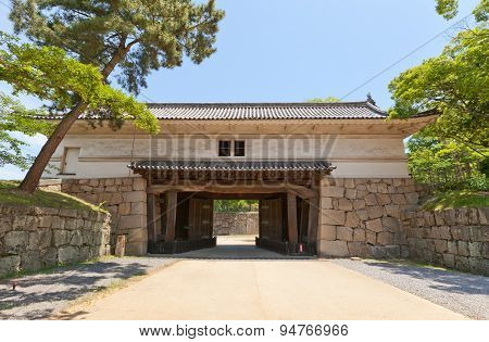 Oteichinomon Gate (1670) Of Marugame Castle, Japan