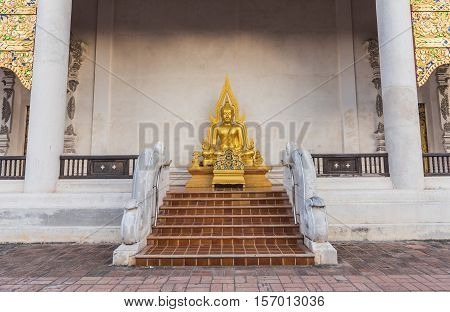 Gold Buddha Statue In Thai Temple, Thailand .
