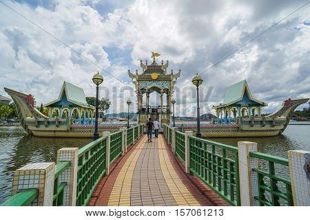 Bandar Seri Begawan,Brunei-Nov 12,2016:Tourists visit the floating & famous Sultan Omar Ali Saifuddien Mosque in Brunei Darusallam.The beautiful building & attraction places in Brunei Darussalam.