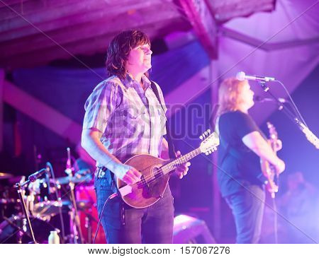 Indigo Girls Perform In Hot Springs, Nc