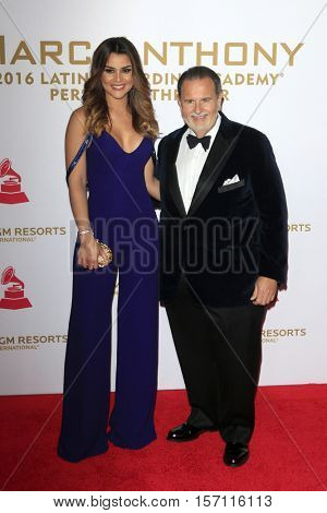 LAS VEGAS - NOV 16:  Clarissa Molina, Raul de Molina at the 2016 Latin Recording Academy Person of the Year at MGM Grand Garden Arena on November 16, 2016 in Las Vegas, NV