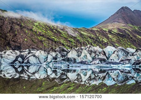 Stunning Vatnajokull Glacier And Lake In Iceland