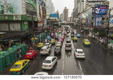 BANGKOK THAILAND - OCT 2 : traffic on Petchaburi Road in wet day in Pratunam area on october 2 2016 thailand.