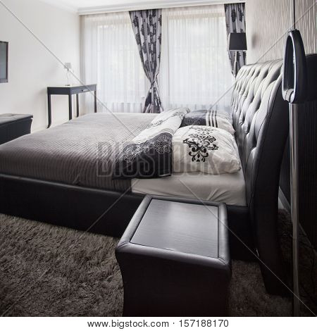 Spacious And Tasteful Bedroom