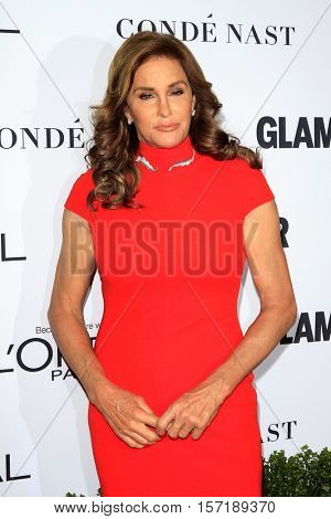 LOS ANGELES - NOV 14:  Caitlyn Jenner at the Glamour Women Of The Year 2016 at NeueHouse Hollywood on November 14, 2016 in Los Angeles, CA