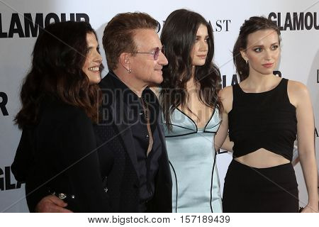 LOS ANGELES - NOV 14:  Ali Hewson, Bono, Eve Hewson and Jordan Hewson at the Glamour Women Of The Year 2016 at NeueHouse Hollywood on November 14, 2016 in Los Angeles, CA