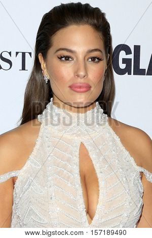 LOS ANGELES - NOV 14:  Ashley Graham at the Glamour Women Of The Year 2016 at NeueHouse Hollywood on November 14, 2016 in Los Angeles, CA