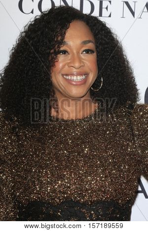 LOS ANGELES - NOV 14:  Shonda Rhimes at the Glamour Women Of The Year 2016 at NeueHouse Hollywood on November 14, 2016 in Los Angeles, CA
