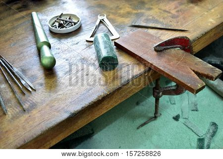 Wax carving table for making jewelry, accessories, decorative workpiece.