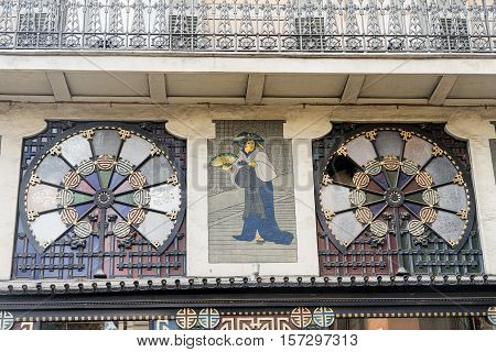 Barcelona (Catalunya Spain): detail of old typical building along the ramblas