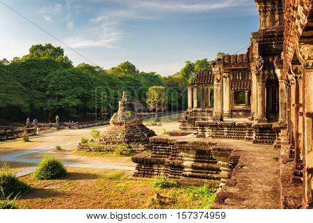 Buddhist Stupa And Outer Hallway With Columns Of Angkor Wat