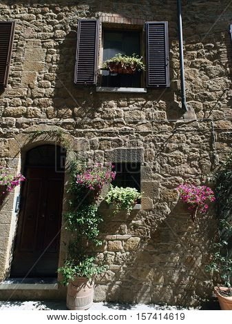 The town of Pienza is a small pearl in the Tuscan countryside. This fantastic town was declared an UNESCO World Heritage Site in 1996 and in 2004