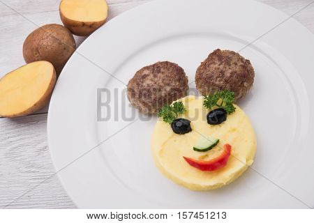 Mashed Potatoes With Meat Cutlets