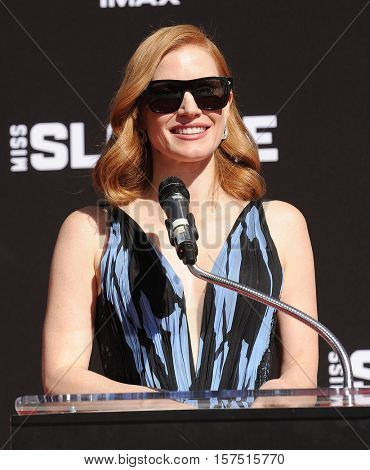 LOS ANGELES - NOV 3:  Jessica Chastain arrives to the Jessica Chastain Hand And Footprint Ceremony on November 3, 2016 in Hollywood, CA