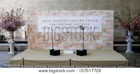NEW YORK-MAY 5: General atmosphere before Michelle Obama attends the opening of the Costume Institute's New Anna Wintour Costume Center at Metropolitan Museum of Art on May 5, 2014 in New York City.