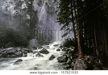 Yosemite National Park is a United States National Park spanning eastern portions of Tuolumne Mariposa and Madera counties in Northern California.