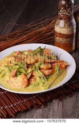 Malaysian Prawn In Spicy Coconut Milk Gravy
