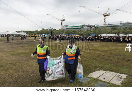 BANGKOK THAILAND - OCT 29 : cleaner staff in center of Sanam Luang while the funeral of king Bhumibol Adulyadej in Grand Palace on october 29 2016