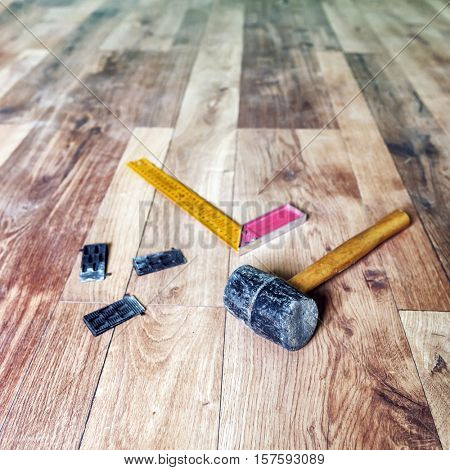 instrumets for installing laminate floor