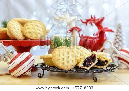 Festive Christmas  English Style Fruit Mince Pies