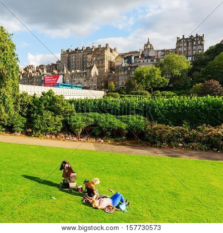 View From Princes Street Gardens To The Old Town Of Edinburgh