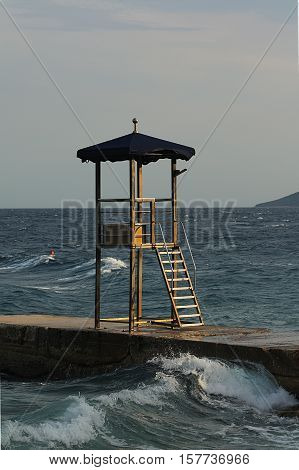 Splash - lifeguard tower in wave sprinkles