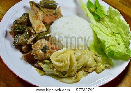 stir fried cabbage with egg and spicy salmon green curry on rice