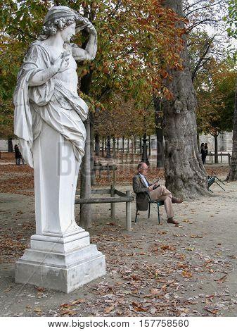 PARIS FRANCE - NOVEMBER 28 2006: Autumn in Garden of Tuileries (Jardin des Tuileries)