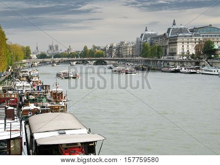 PARIS, FRANCE - NOVEMBER 28, 2006: View of the river Seine
