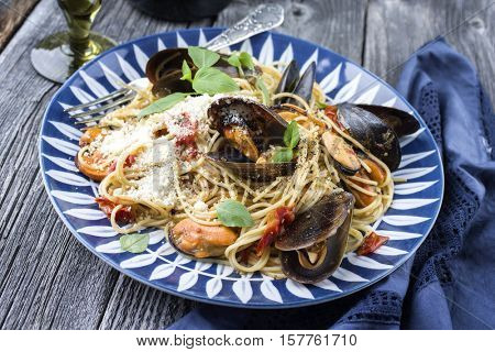 Spaghetti with blue Mussel on Plate