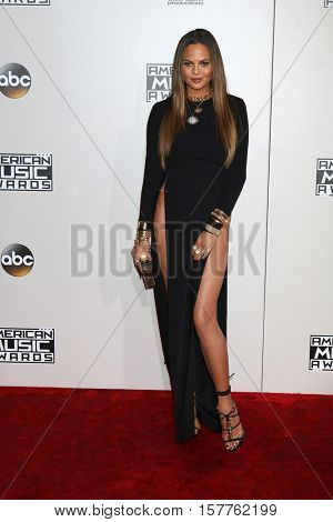 LOS ANGELES - NOV 20:  Chrissy Teigen at the 2016 American Music Awards at Microsoft Theater on November 20, 2016 in Los Angeles, CA
