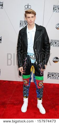 LOS ANGELES - NOV 20:  Aidan Alexander at the 2016 American Music Awards at Microsoft Theater on November 20, 2016 in Los Angeles, CA