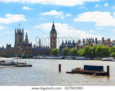 London, United Kingdom - June 08, 2013: Houses Of Parliament, Big Ben Clocktower And Thames River Em