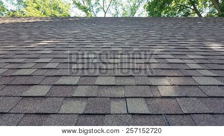 Asphalt Shingles House Roofing Construction, Repair. Problem Areas For House Asphalt Shingles Roofin
