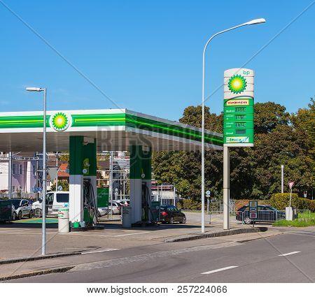Zurich, Switzerland - 5 October, 2017: Bp Filling Station On Mythenquai Street In The City Of Zurich
