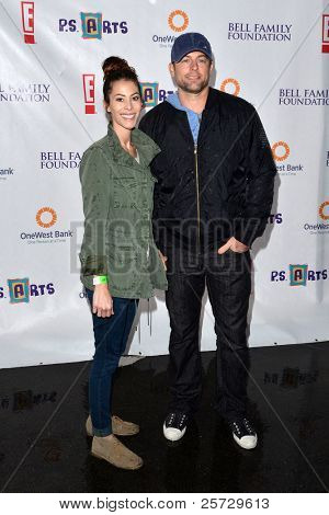 LOS ANGELES - NOV 20:  Michael Muhney & Wife arrives at the P.S Arts 2011