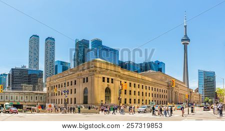 Toronto,canada - June 25,2018 - Building Of Railway Station In The Streets Of Toronto. Toronto Is Th