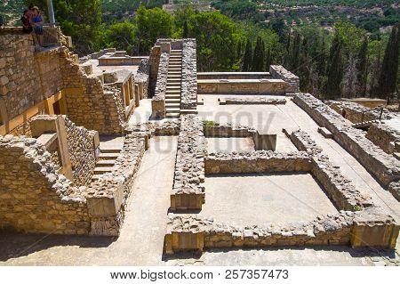 Greece, Crete, Heraklion - July 18, 2018: Knossos Ruins, Ceremonial And Political Centre Of The Tsar