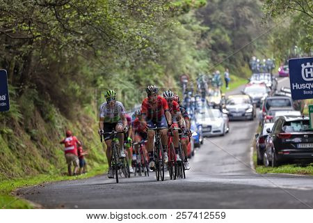 Ivan Garcia Cortina Pulling A Group That Was In Break At The Head Of The Race Climbing The Port Of 1
