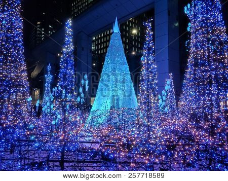 Tokyo, Japan-december 13, 2107 : Illuminations Light Up At Caretta Shopping Mall In Shiodome Distric