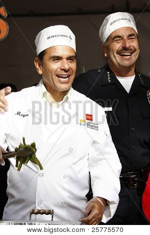 LOS ANGELES, CA - NOV 23: Antonio Villaraigosa; LA Police Chief Charlie Beck at the Los Angeles Mission serving of it's traditional Thanksgiving meal on November 23, 2011 in Los Angeles, California