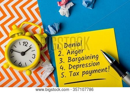 Tax Payment And Tax Time - Notification Of The Need To File Tax Return Forms, April 15th - Tax Day 2