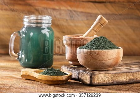 Spirulina Is A Greenish-blue Algae, Chlorophyll Gives It A Green Color And Phycocyanin Gives It A Bl